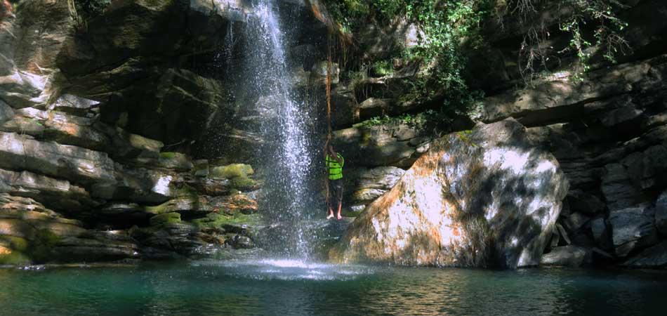 WaterFall_Rustik_Travel
